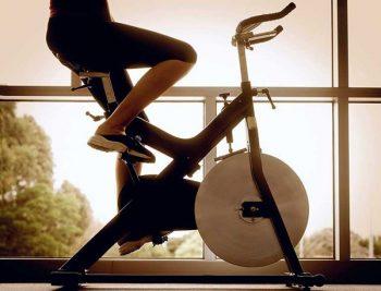 """Bài tập đạp xe giảm mỡ bụng có thực sự """"Hiệu quả"""" như bạn nghĩ hay không ?"""