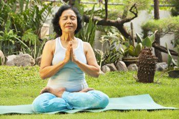 Top 10+ bài tập yoga cho người già để cơ thể thêm phần dẻo dai, chắc khoẻ
