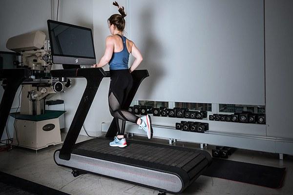 Tập thể dục buổi tối có giảm cân hay không ?